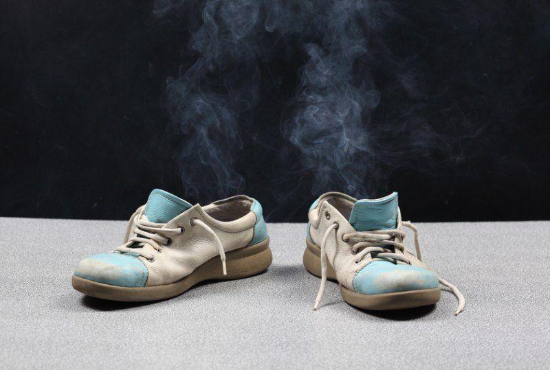 От ног пахнет обувь что делать